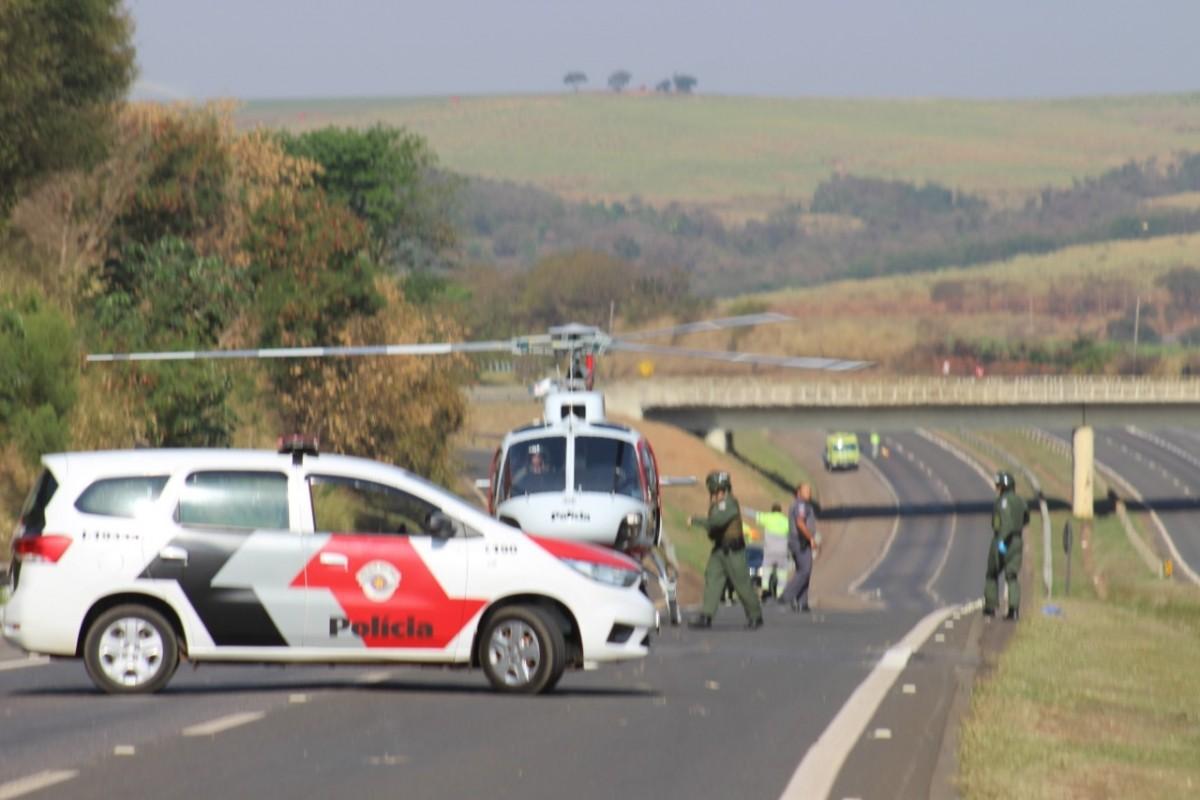 Cinco pessoas ficam feridas em acidente na SP-332 - TV Jaguari